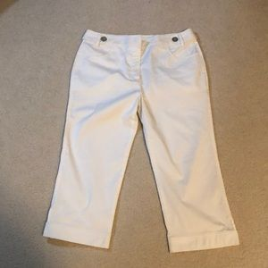NEW: ORLY sport size 10 white capris